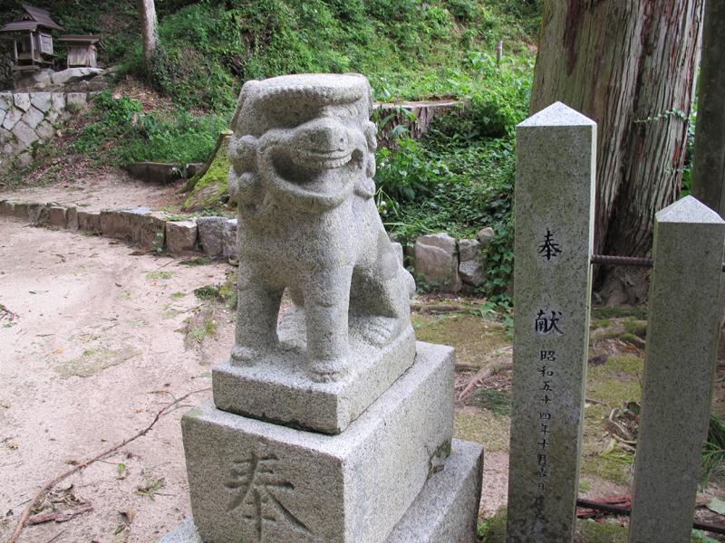 津山瓦版物見神社(加茂)