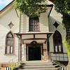 津山教会は明治(1904)に建てられた建物です。