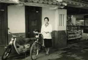 京御門前_昔02(約50年前).jpg