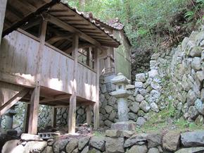 河井本殿1.jpg
