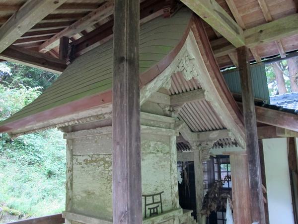 青柳本殿2.jpg