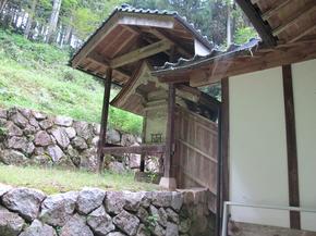 青柳本殿3.jpg