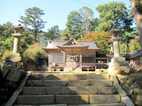 八幡拝殿2.jpg