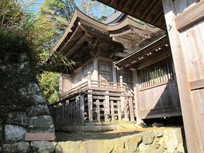 八幡本殿1.jpg