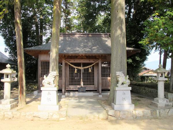 朝拝殿3.jpg