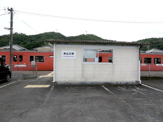 tsuyamaguchieki5.jpg
