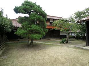 shiryokan1.jpg