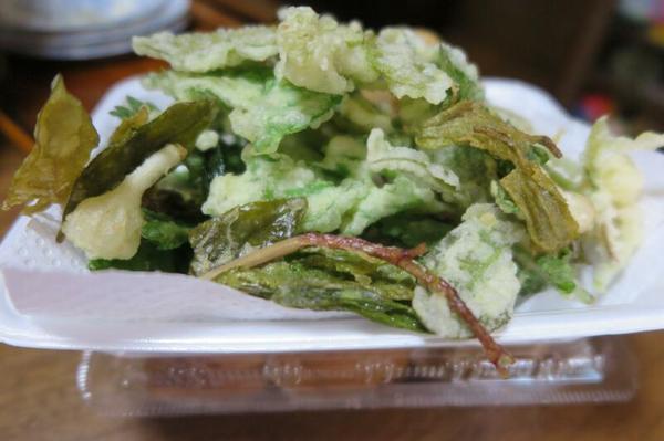 身近にある「山菜の天ぷら」(5月)